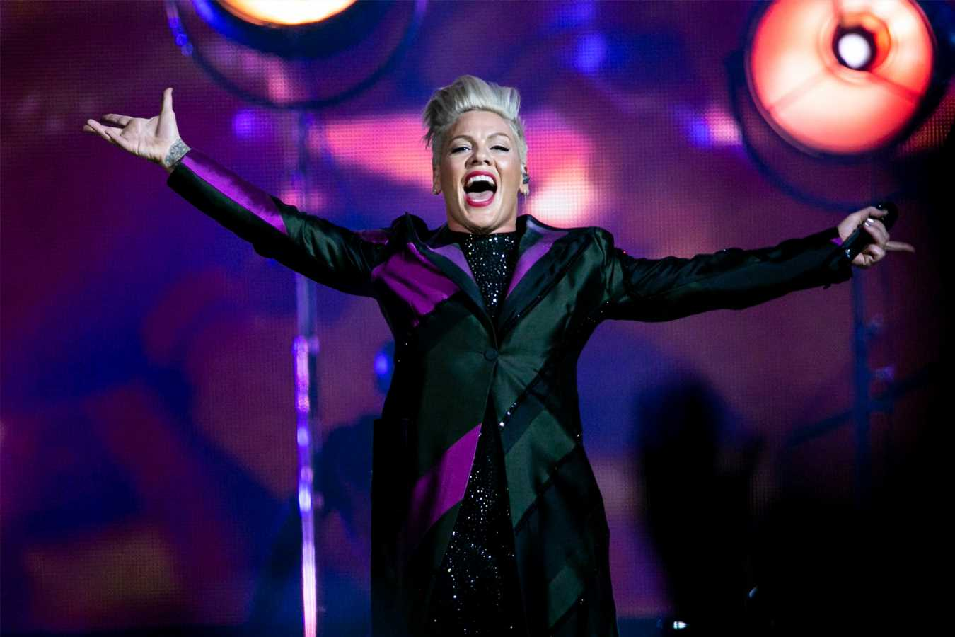 Woman gives birth at Pink concert to youngest Pink fan ever