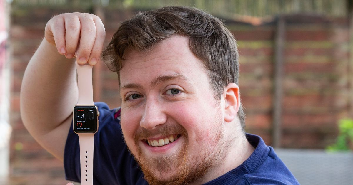 Man's 'Apple Watch detected deadly heart condition' after reading 130bpm at rest