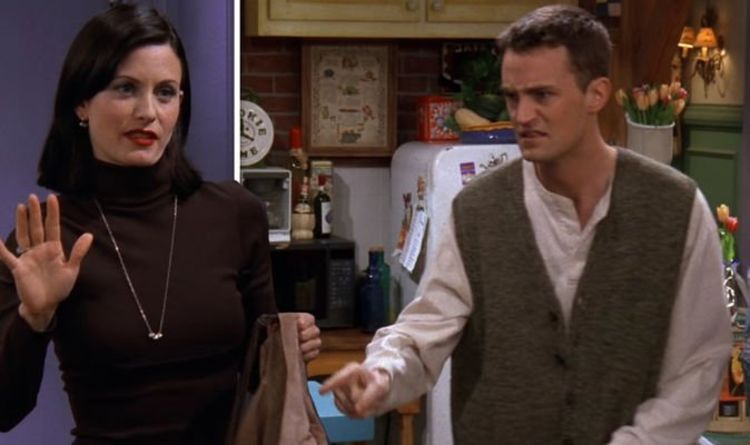 Friends: Monica Geller seen in two places at once in huge season three blunder