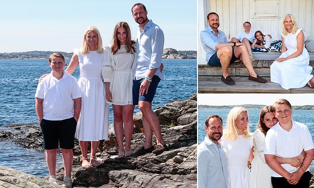 Norwegian royals pose for official summer holiday snaps