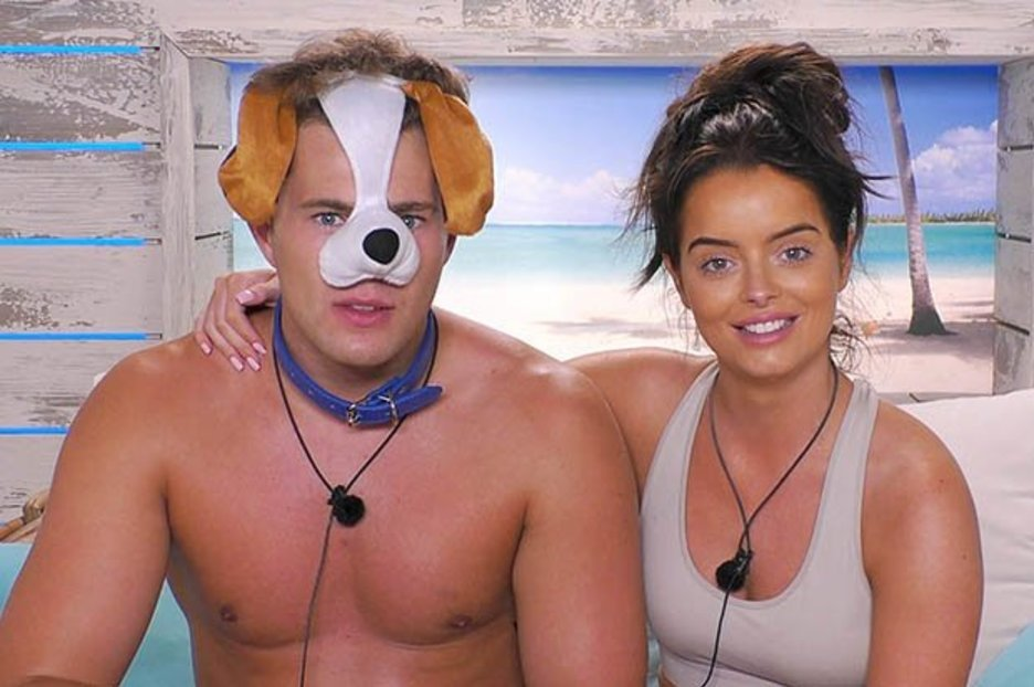 Love Island bosses slammed over Maura and Curtis 'special treatment' after 'rule break'