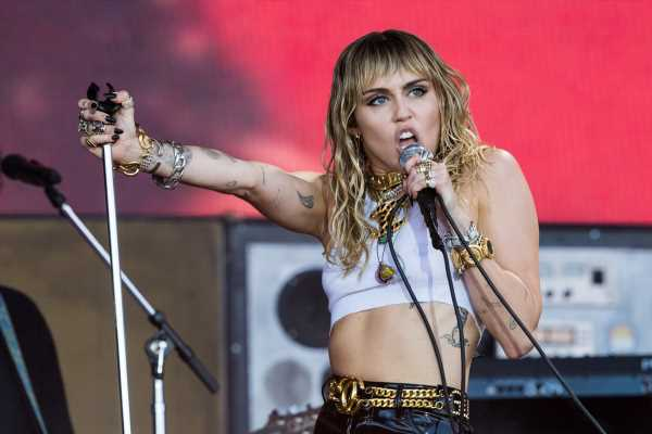 This Video Of Miley Cyrus Twerking On Instagram Is Like 'Bangerz'-Era Miley All Over Again