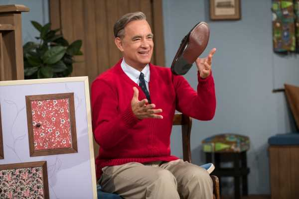 Tom Hanks Is The Perfect Mr. Rogers In This 'A Beautiful Day In The Neighborhood' Trailer