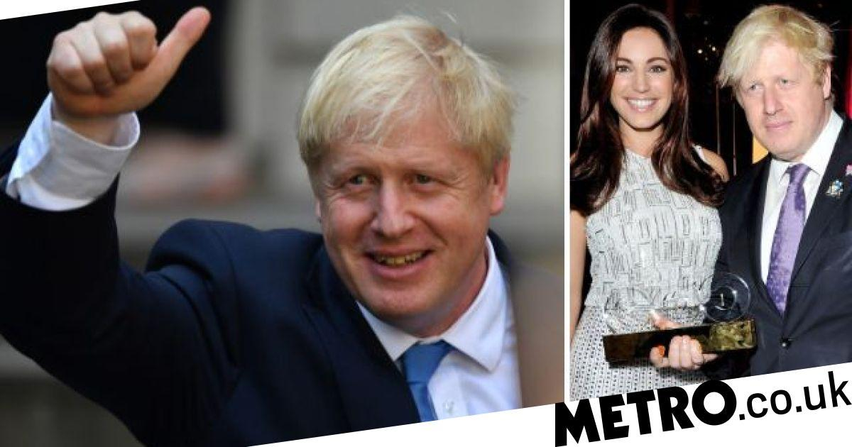 Kelly Brook forced to rescue Boris Johnson after thumb wars game turned vicious