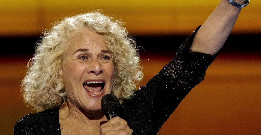 Music Icon Carole King Clarifies 'Capitol Fourth' Performance: So Far Away From Trump