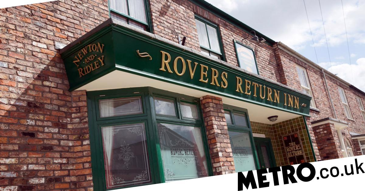 Corrie pictures reveal the exit of another main character?