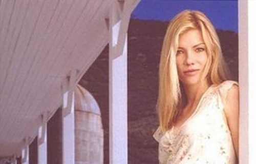 Stephanie Niznik Dies: 'Everwood' & 'Star Trek' Actress Was 52
