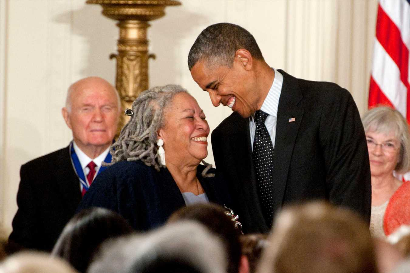 Oprah, Obama and More Stars Mourn Author Toni Morrison: 'She Was Our Conscience'