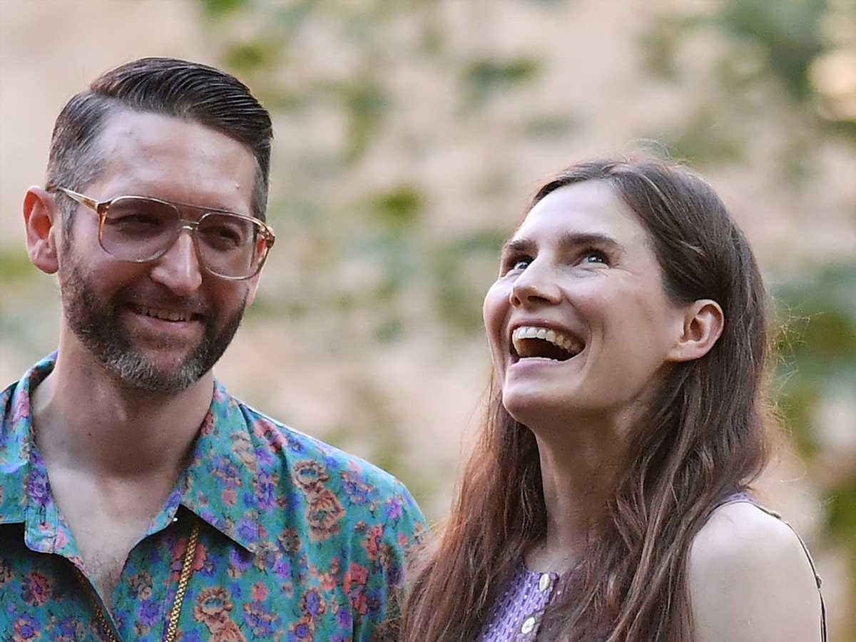 Amanda Knox just revealed that she's already married to Christopher Robinson: Details!