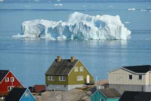 """Photos Show Greenland's Ice Sheet Turning Into Rivers In A """"Major Melting Event"""""""