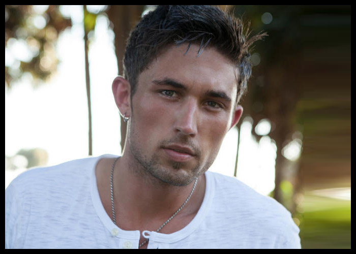 Michael Ray To Headline 'CMT On Tour'