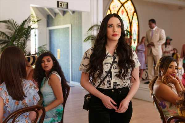 What Is Hulu's 'Dollface' About? Shay Mitchell, Brenda Song, & Kat Dennings Star In It
