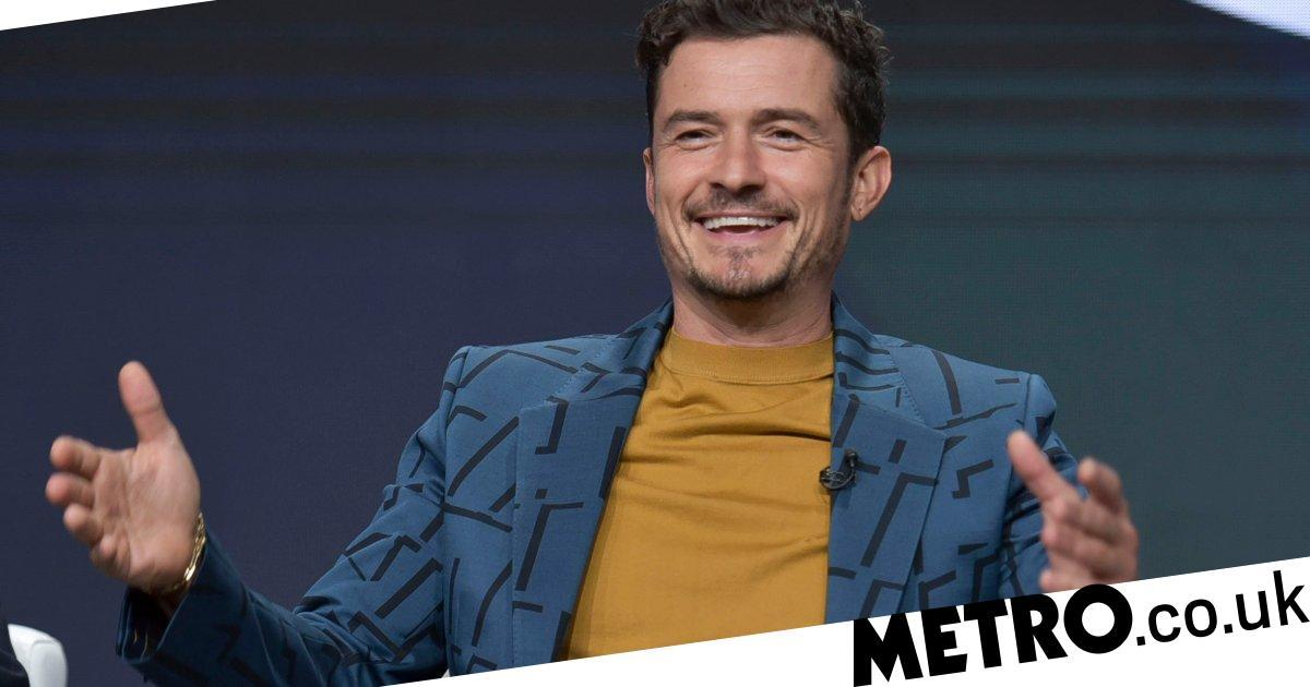 Orlando Bloom downplays size of his manhood in those paddle boarding pics