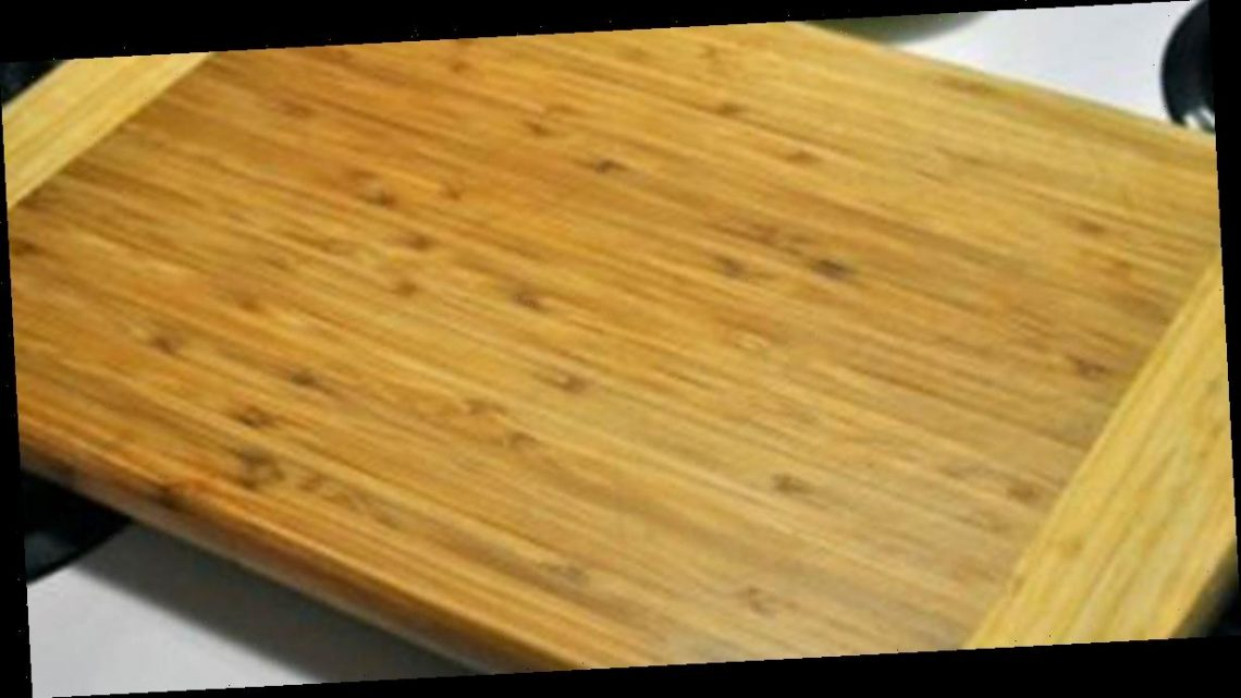 Clever cleaning trick helps to scrub chopping board without using any chemicals