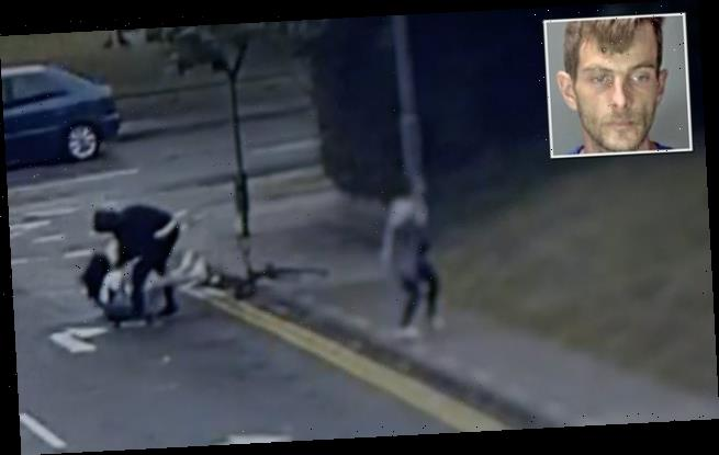 Police: Suspect No.1: CCTV footage captures robbery in broad daylight