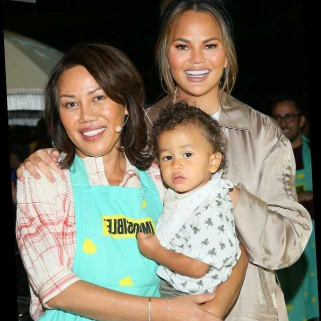 """Chrissy Teigen's Mom Says Her """"Heart Aches"""" After Her Daughter's Pregnancy Loss"""
