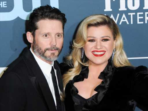 Kelly Clarkson May Have to Pay Ex Brandon Blackstock Up to $5M in Annual Support