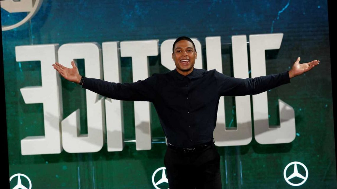 'Justice League' Star Ray Fisher Confirms He Has Been Removed From 'The Flash'