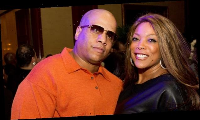 Wendy Williams Disses Ex-Husband 'Kelvin' & Alleged Mistress While Literally Sipping Tea On TV