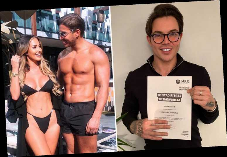 Towie's Bobby Norris praised for becoming a Covid vaccinator while other reality stars holiday in Dubai