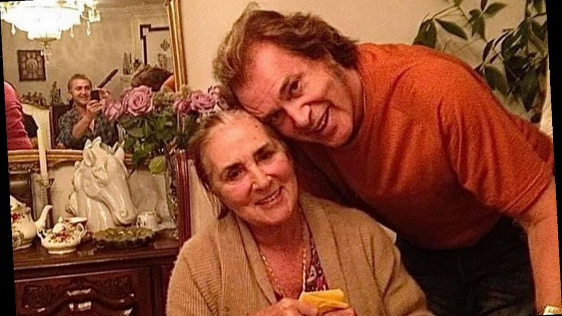 Engelbert Humperdinck Asks Fans to Pray for Wife Amid Struggles With Covid-19 and Alzheimer's