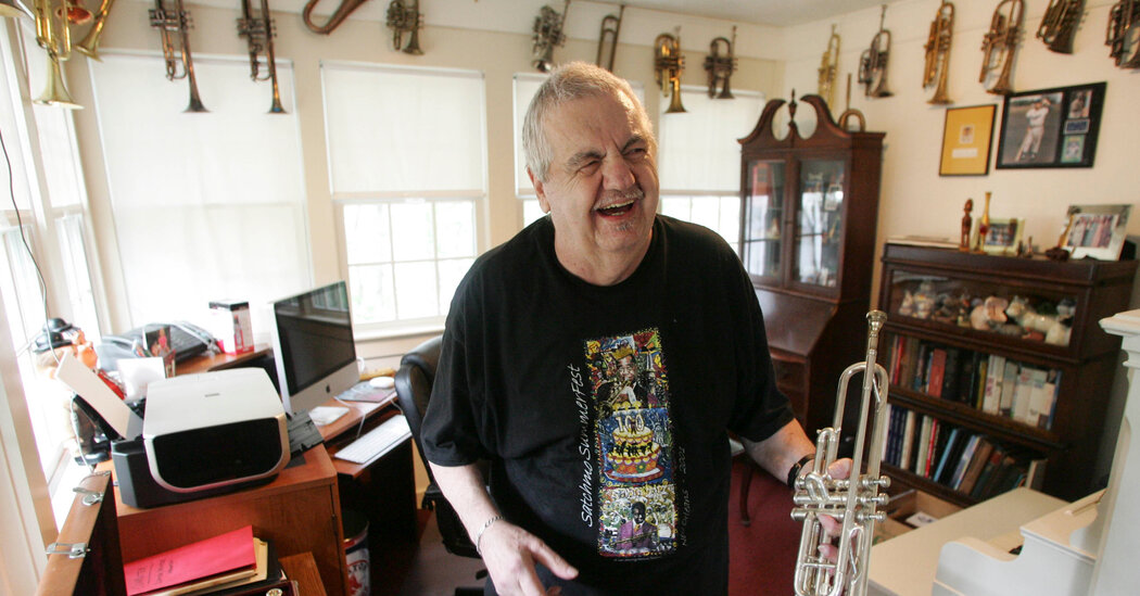 Jack Bradley, Louis Armstrong Photographer and Devotee, Dies at 86