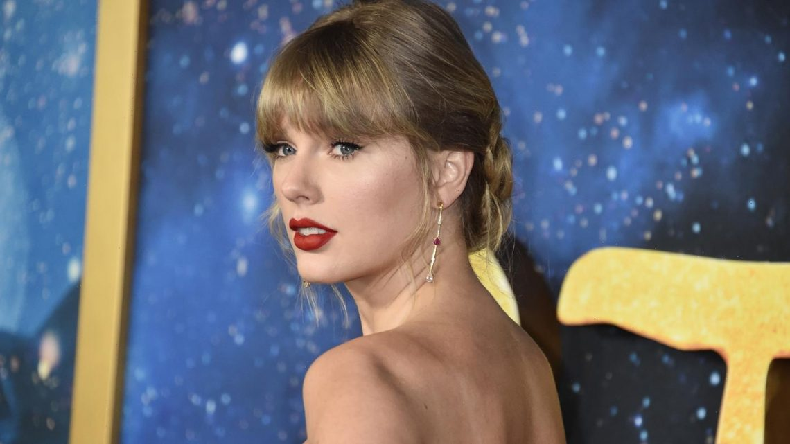 Taylor Swift Lands Her 3rd No. 1 In Less Than a Year With 'Fearless' Re-Record