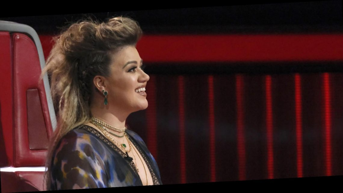 Kelly Clarkson reveals 1 song she's afraid to cover: 'The biggest song of all time'