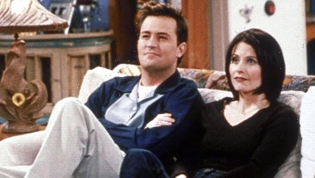 'Friends' Stars & Onscreen Lovers Matthew Perry & Courteney Cox Are Cousins, Genealogists Say