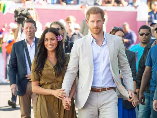 Prince Harry Recalls Two Heartbreaking Parallel Memories of Meghan Markle & Mom Diana Crying