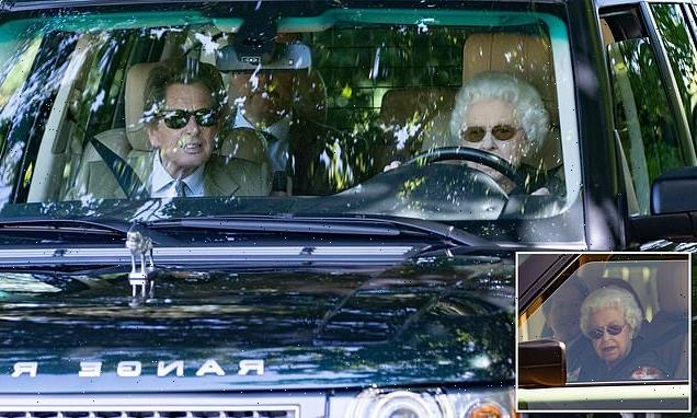 Queen makes unannounced visit to Wood Farm and Commodore Yard Stables