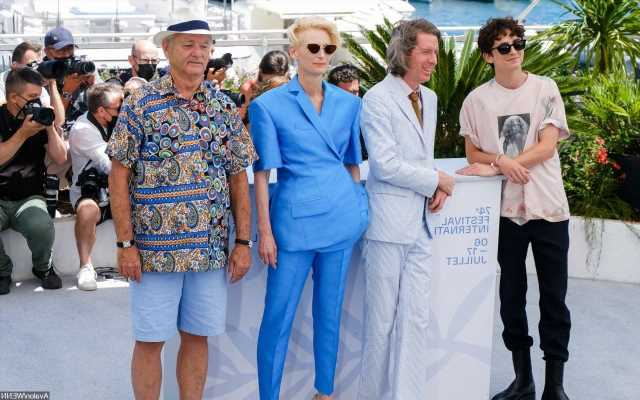 The French Dispatch Casts Photo From Cannes Becomes Twitter Meme