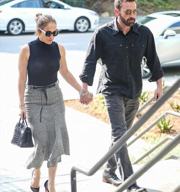 Ben Affleck is more than ready to propose to J.Lo, its only a matter of time