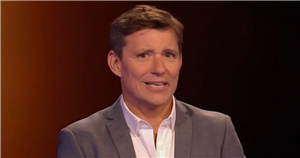 Ben Shephard red-faced as Tess Daly makes flirty dance remark on Tipping Point
