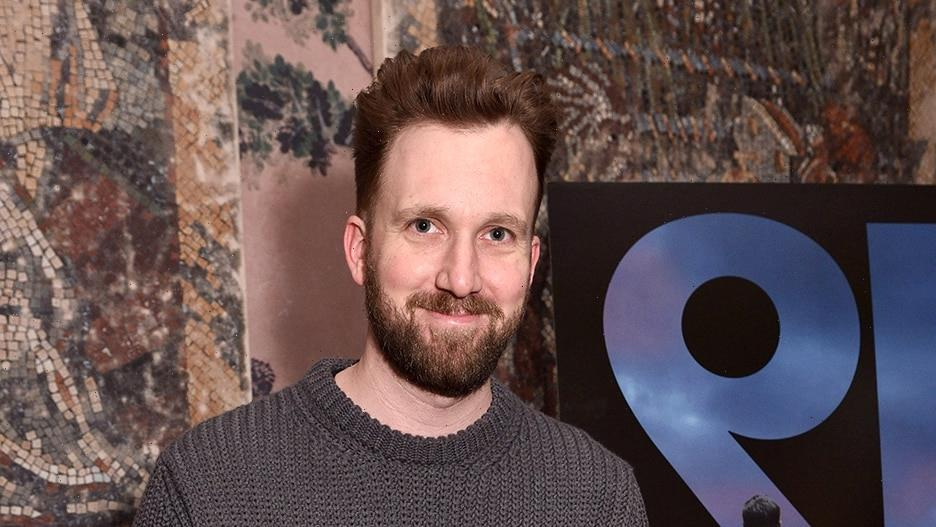 'The Daily Show' Star Jordan Klepper Confronts Anti-Vax Protesters at NYC Mayor's Home (Video)