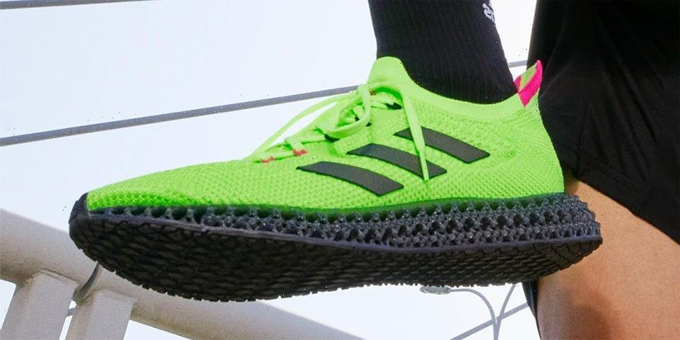 """adidas 4DFWD Appears With a Louder """"Signal Green"""" Arrangement"""