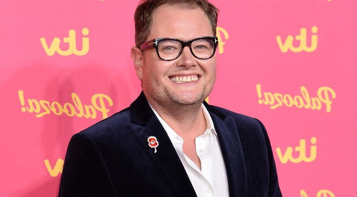 Alan Carr says he quit Twitter as snowflake fans slammed him over curry