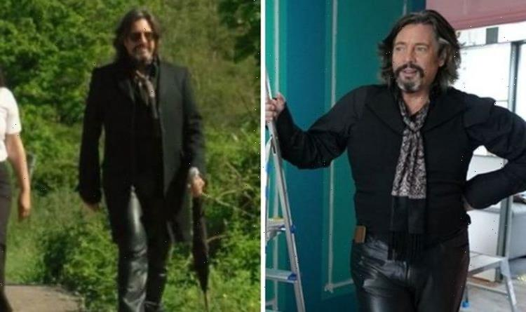 Changing Rooms: Laurence Llewelyn-Bowen talks phenomenal pressure of show