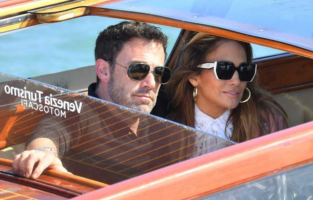 Jennifer Lopez Wore a White Lace Dress For an Outing in Venice With Ben Affleck