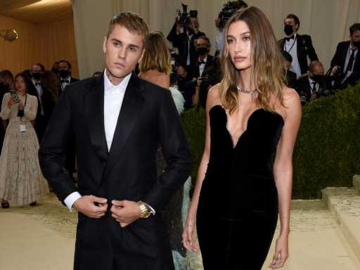 Justin Bieber Had One Met Gala Moment That Has Fans Convinced Hailey Bieber Is Pregnant